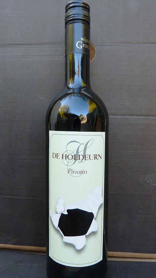 Vakantieboerderij Holdeurn - wijnen - fles Pinotin